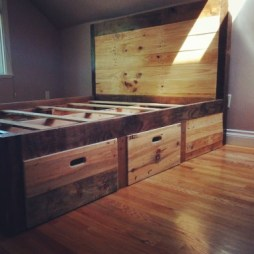 Horizontal Plank with Bold Side Trim